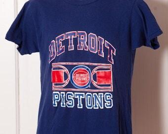 Vintage 80s DETROIT PISTONS Basketball Tshirt - Champion