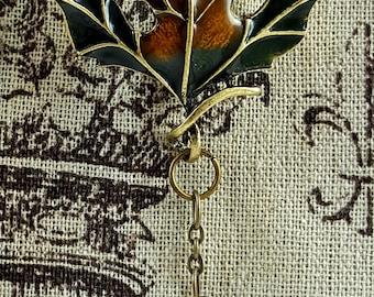 Portuguese Knitting Pin, Enameled Maple Leaf, Worsted Weight Yarn Knitting Pin