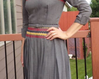 GRAY BELTED vintage DRESS pleated skirt embroidery 40's 50's S xs