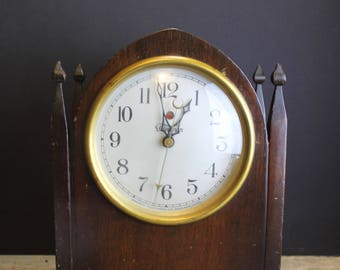 Vintage Warren Telechron Gothic Cathedral Clock // 1920s // Electric Desktop // Keeps Good Time