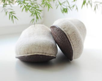 Felted slippers Neutral - natural beige wool clogs - made to order - cozy home shoes - eco friendly - Mothers day gift - unisex slippers