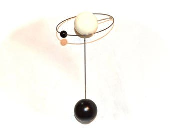 Atomic Galaxy Lamp Finial Black and White