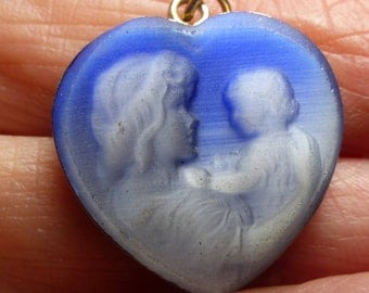 14kt GF Mother & Child iridescent heart pendant about 2 grms-20X20mm. 1981