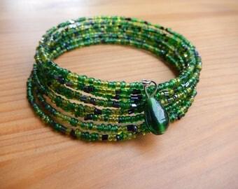 Handmade Green Beaded Memory Wire Bangle Bracelet - Hippie, Boho, Bohemian, Green Glass, Handmade Jewelry