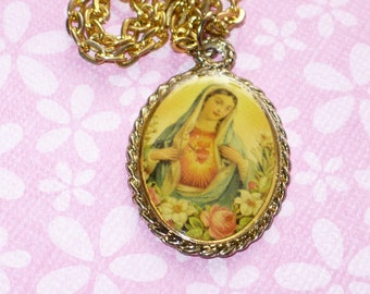 Pendant necklace of The Blessed Virgin Mary vintage 1960's.