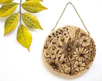 Floral Wood-Burned Hanging, Wood Slice Art, Wood Hanging, Wood-Burned Flowers, Wood Slice Flowers, Floral Woodburning, Floral Nature Gift