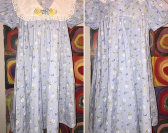 Youngland Floral White and Blue Girl's Dress Size 8