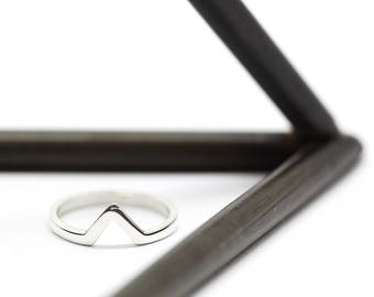 Triangle silver ring - Geometric ring - Minimal pointy ring