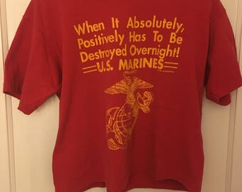Men's Vintage Large (cropped) U.S. Marines Red T-Shirt 90s