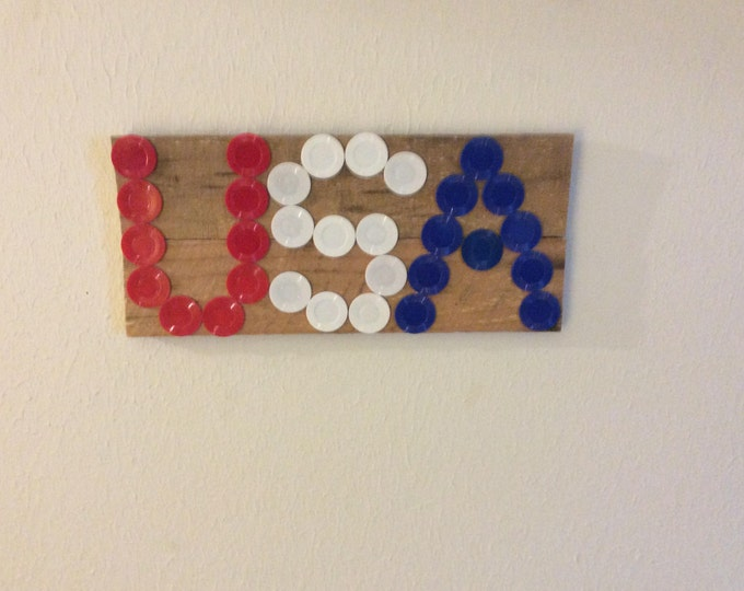 Upcycled poker chips and wood to make you proud, USA decor, upcycled USA decor, patriotic decor, man cave decor, repurposed decor