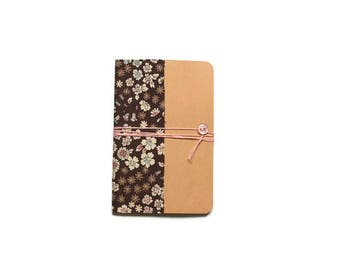 Notebook Format A6 - cover in fabric flowers