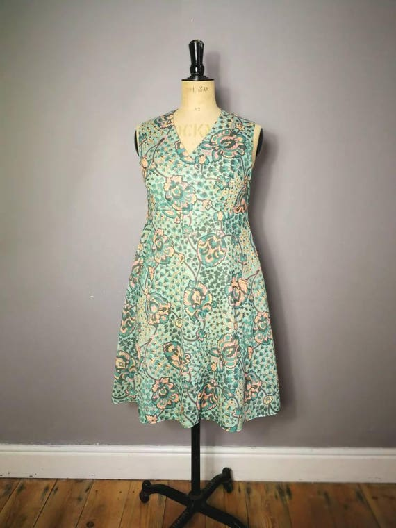 Mint and peach dress / 70s fit and flare vintage dress / 70s paisley dress / polyester sun dress / retro green dress UK 12 14