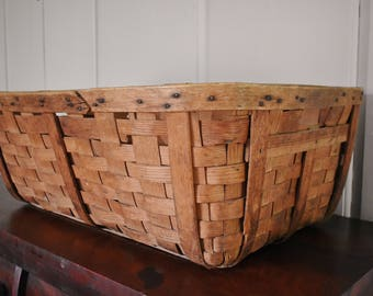 "Large Wood Splint Gathering Basket, Antique Farmhouse Woven Slat Laundry Basket, 28"" Collectible Rustic Country Primitive Handmade Cabin"