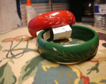 1W Carved Bakelite Bracelet
