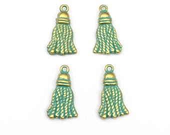 4 tassel charms green patina   ,10mm to 20mm  # CH 440
