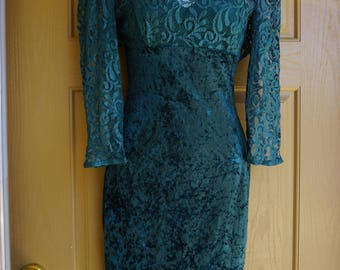 Fredericks of hollywood green soft velvety crushed velvet and lace dress small early 90s bodycon mini body con 1990s velvet tight sweetheart