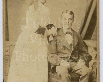 CDV Carte de Visite Photo Young Victorian Couple Maybe Married by Amey of Landport England