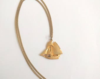 Vintage nautical ship necklace gold tone boat sailboat pirate clipper steampunk jewelry