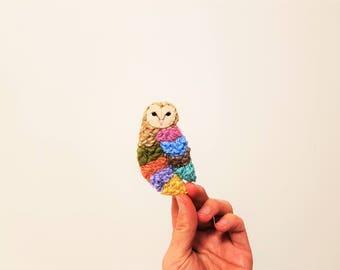 Fibre Barn Owl Brooch. Multicolour Fiber Brooch. Yarn Textile Owl Brooch. Woodland Animal. Soft Texture.