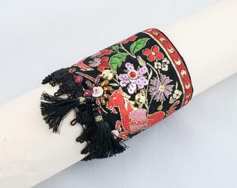 "Bracelet manchette ""Licorne rouge"" Ruban Galon soie-Manchette brodée"