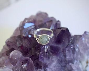 Labradorite ring, labradorite gemstone ring, labradorite jewelry, wire ring, wire wrapped ring, gemstone wire ring, grey stone ring, custom