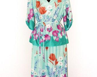 Vintage 1970s Floral Print 2 piece blouse & Skirt set in sz 16