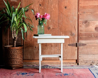 Vintage Wood End Table, Farmhouse Nightstand, Shabby Chic End Table, White Side Table, Rustic Plant Stand, Porch Table, Porch Furniture