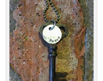 Antique Inspiring Skeleton Key Necklace - PEACE