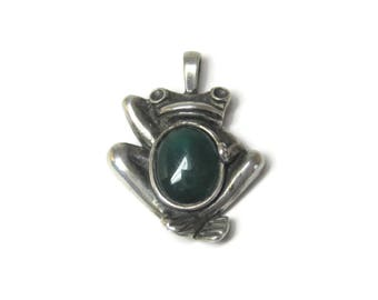 Vintage Sterling Green Onyx Frog Pendant