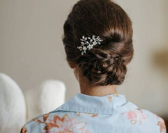 READY TO SHIP Delicate Pearl & Crystal Hair Comb, Wedding Hair Accessories, Hair Comb, Hair Accessories, Gold Hair Accessories, Bridal Comb