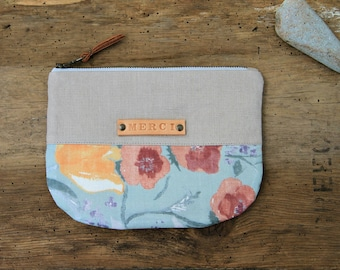 Floral zipper pouch with leather strap, Teachers gift, Linen pocket pouch, Nani iro fabric coin purse, Light gray makeup bag, Gift for woman
