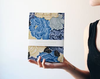 Handmade notebook, japanese bookbinding, floral notebook, flowery notebook, japanese pattern notebook, glod and blue, made in barcelona