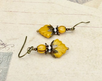 Yellow Earrings, Victorian Earrings, Maple Leaf Earrings, Autumn Earrings, Czech Glass Beads, Antique Gold Earrings, Womens Earrings, Gifts
