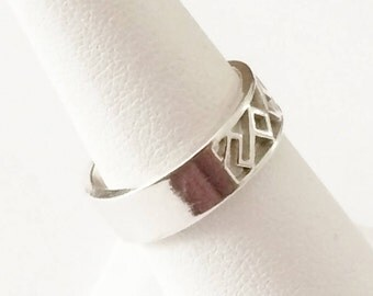 Size 7 Sterling Silver Filigree Band Ring