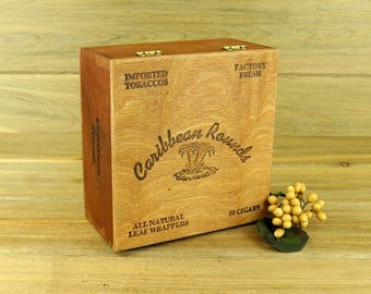 Caribbean Rounds Cigar Box. Vintage Cigar Box, Vintage Wooden Cigar Box, Wood Cigar Box, Large Vintage Cigar Box, Vintage Advertising 18-14