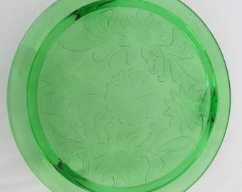 "10"" Green Daisy Glass Cake Plate, 1930's Jeanette Glass Footed Cake Stand"