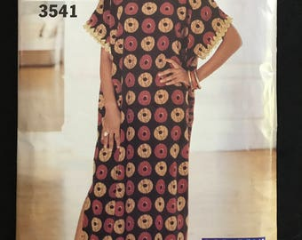 See & Sew 3541 - Straight Pullover Caftan with Side Slits and Above Elbow Sleeves - Size XS S M L