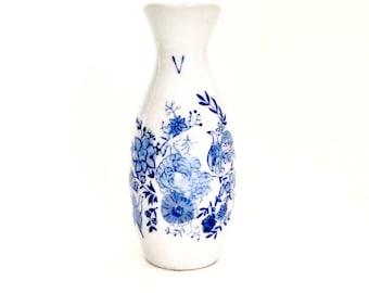 Porcelain Sake Bottle / Tokkuri / Sake Carafe / Sake Decanter / Japanese Sake Bottle / Asian Barware / Small Sake Pitcher