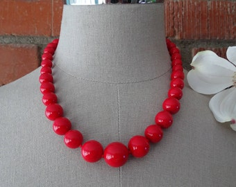 1960's Bright Red Beaded Necklace, Graduated Round Red Beads, Mid Century Fashion Accessory, Classic Style Necklace ~
