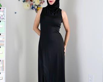 1970s Goth Dress - Vintage Boho Black Floral Maxi Dress - S/M - Sleeveless - Cowl Neck - Sleek Hooded Dress Oversized Floral Graphic
