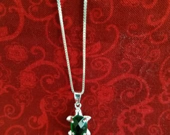 CP094 Vintage Sterling Silver Necklace with Sterling Silver Turtle Pendant with Green Stone