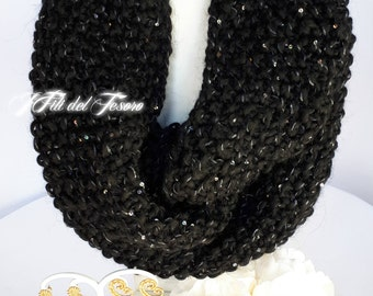 Knitted knitted/knited scarf/knitted black/black infinity scarf/winter Accessories/Winter Accessories/bohochic/Gift