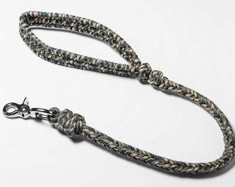 Short forest camo dog leash