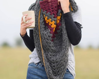 Crocheted Triangle Scarf Pattern, Triangle Shawl Pattern, Easy Crochet Triangle Wrap, Granny Triangle Pattern, Fall Pattern, Winter