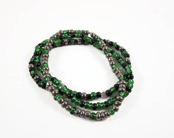 Green and Black Bracelet / Elastic Stackable Bracelets / Stretch Bracelets / Beaded Stretch Bracelet / Bracelet Set / Minimalist Jewelry