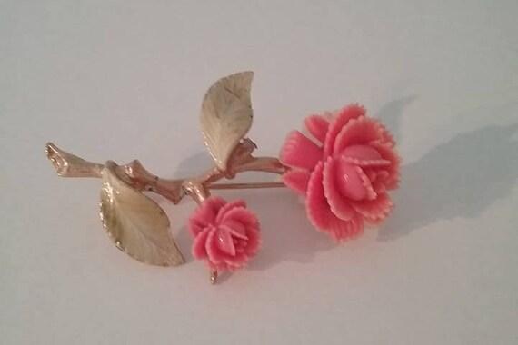 Vintage Pink Roses Brooch, #VintagePinGift, Vintage Resin Pink Roses Pin, Delicate Rose Brooch, #buyVintage4Xmas, Pink Roses Pin, Lapel Pin
