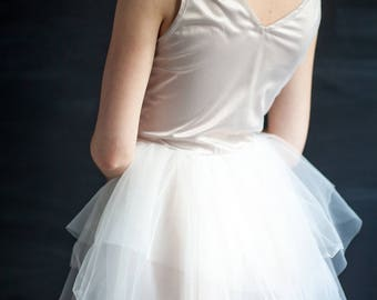 Non-traditional Wedding Dress White Wedding Dress Non-corset Wedding Dress Tulle Wedding Dress Multi-layered Skirt Bridal Gown Prom Dress