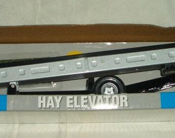Hay Elevator 1 16 Scale by ERTL