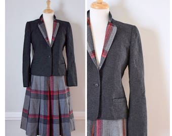 Vintage Suit / Vintage 70s Suit / Vintage Plaid Suit / Plaid Suit / Wool Suit / Skirt and Jacket / Gray Suit / Gray Plaid Suit / Size Small