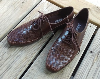 Gorgeous Vintage 1960's - 1970's Brown Leather Lace Up Oxfords By Auditions